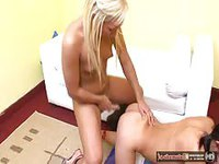 Blondie fucks her girlfriend's pussy
